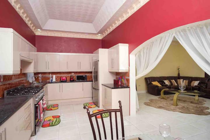 Exquisite two bedroom holiday home in Portmore