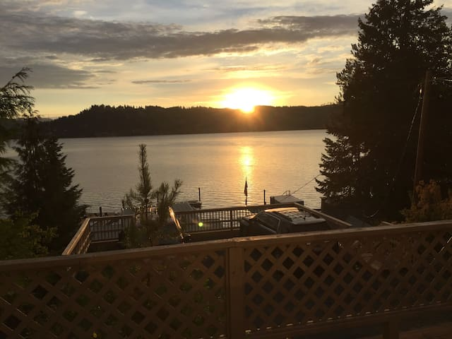 Lovely Coeur D'Alene, ID Cabin with Beach & Lake