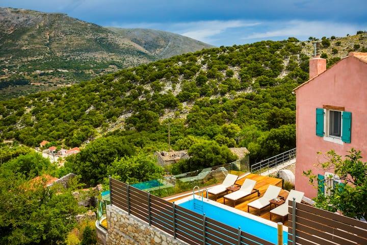 Iconic Villas - Villa Vada with private pool