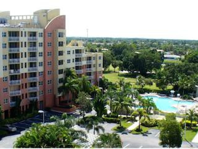 South Florida in February - Weston - Apto. en complejo residencial