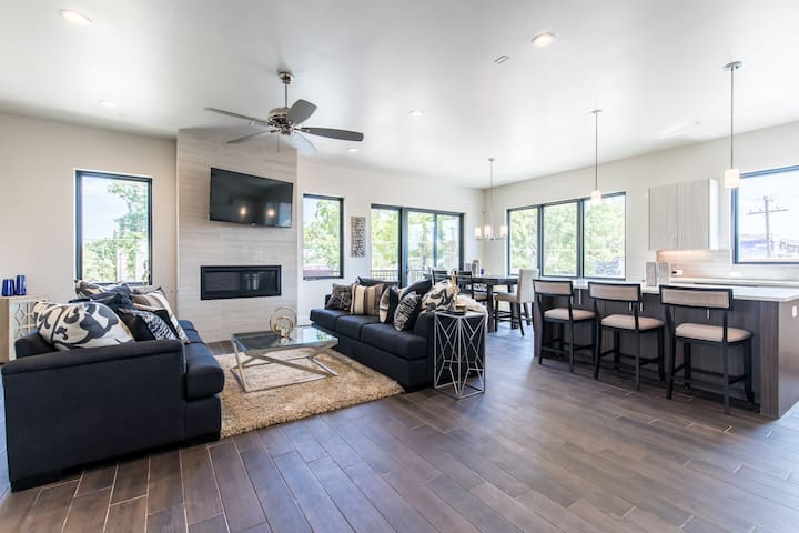 The Heart of Bishop Arts Luxury Townhome 》 Unit 1