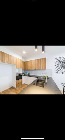 Lovely brand new townhouse with superhost