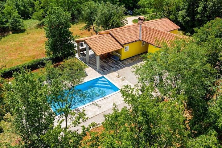 Villa St. Nicola / Holiday Home with Pool
