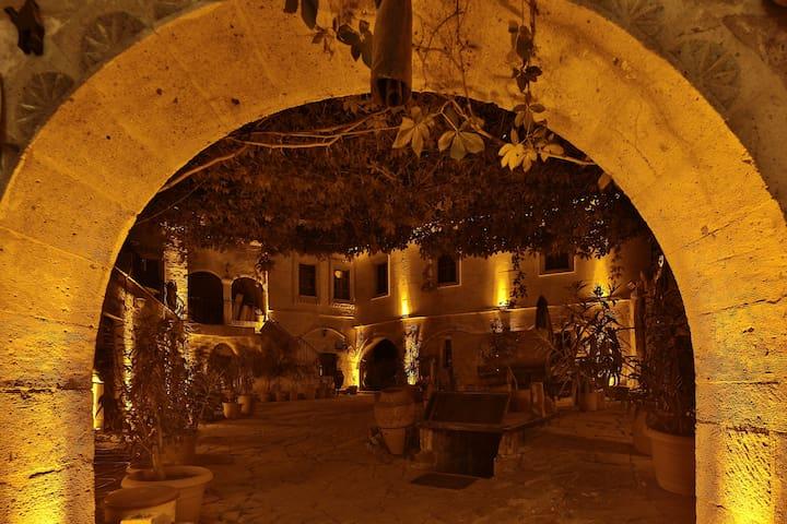 Caravanserai  Cave Hotel Arch Room