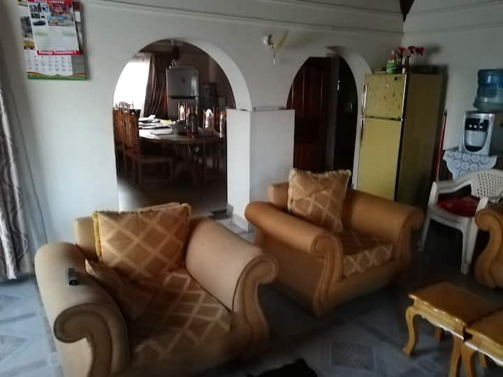3br apartment with ample parking and security