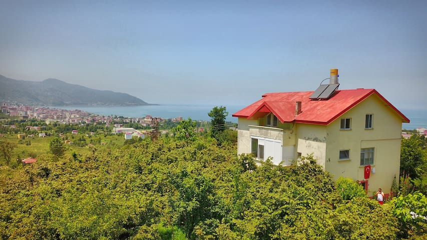 PRIVATE HOUSE WITH SEE VIEW