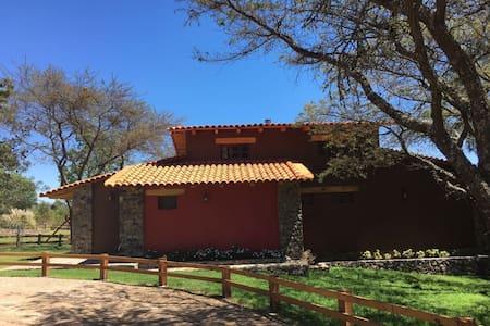 Hermosa Cabaña Nueva en Tapalpa Country Club