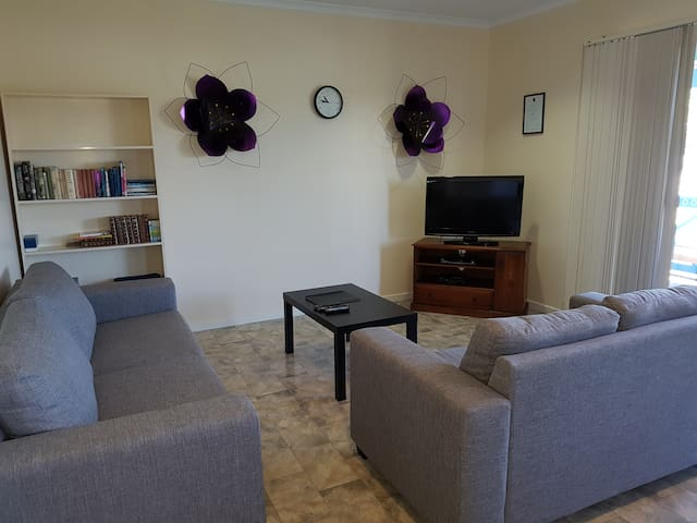 Marion Bay Holiday Villas - Family Room