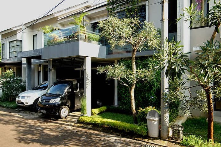 Rooms for Rent (Depok) - Depok - Casa