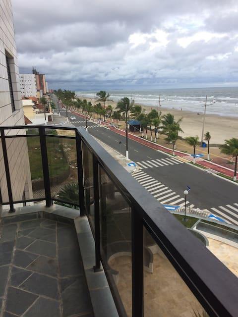 Ap super aconchegante e confortável frente Praia