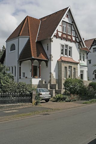 Pensionszimmer in denkmalgeschützer Villa - Bückeburg