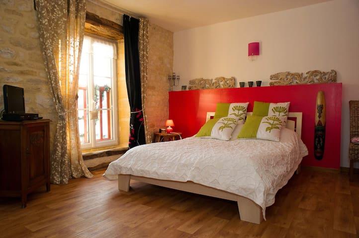 Les MIRABELLES chambres d hôtes ARDENNES 3 clés - Marquigny - Rumah Tamu