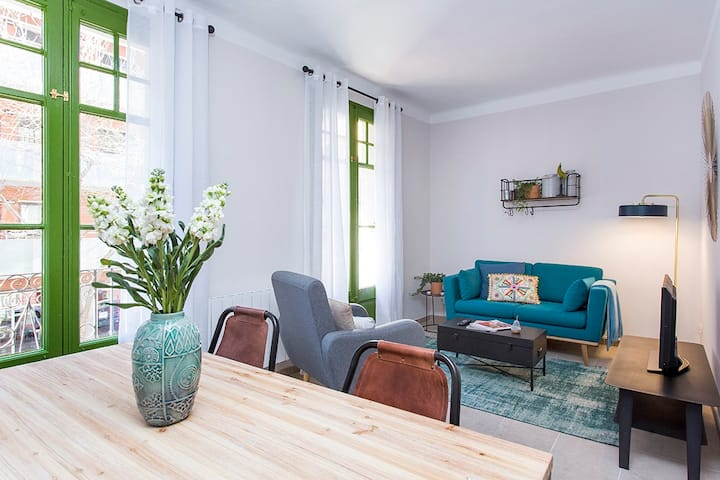 Cozy 2 Bed completely renovated close to Fira BCN
