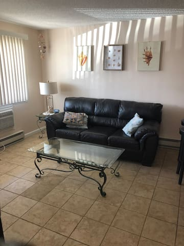 Private updated condo two blocks from beach