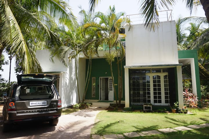 StudioSupari: Private room in coastal home Alibaug