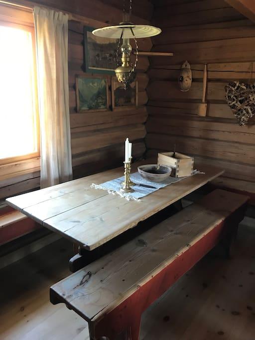 Spiseplass i stua