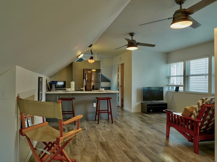 Comfy Guest House located 5min from downtown Indy