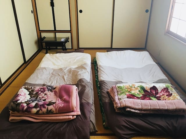 Japanese style room for 1-2 people