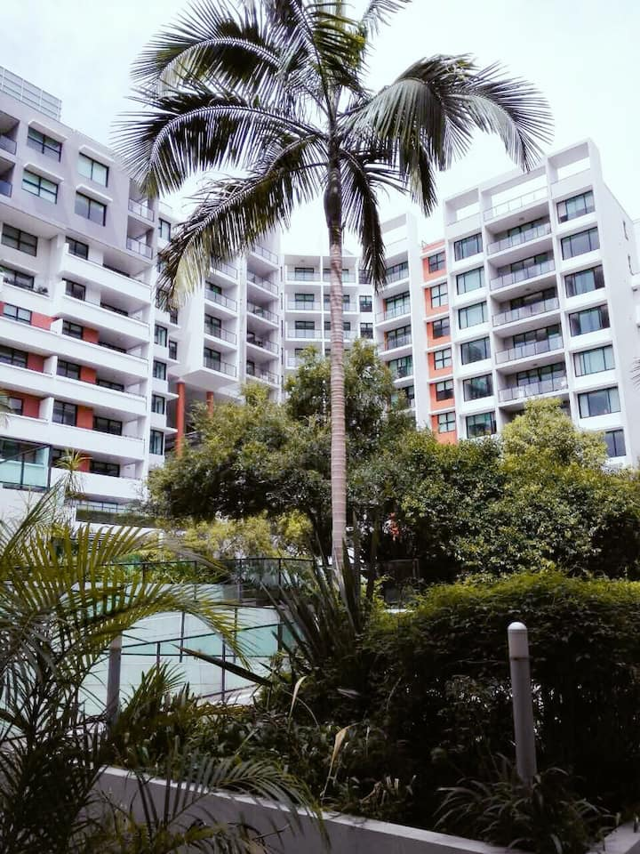 Near Sydney CBD Courtyard Apartment with Parking!
