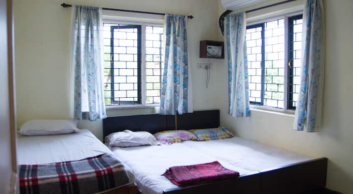1BHK Flat for 4 persons in Candolim, North Goa