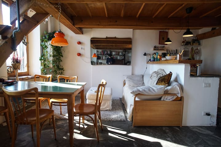 Bright and Warm Loft in the Navigli Area