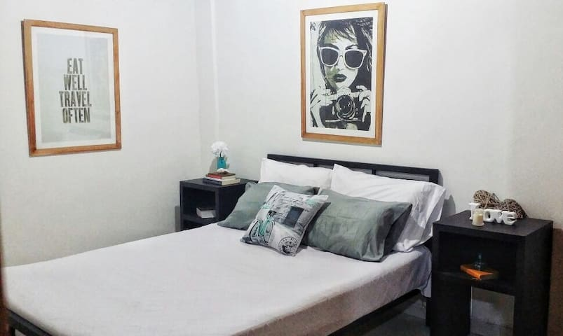 Comfortable private double size bedroom - Cartagena - Huoneisto