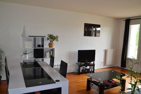 Appartement 1 chambre avec balcon - Marselha