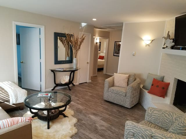 Completely Renovated, Va Beach Guest House