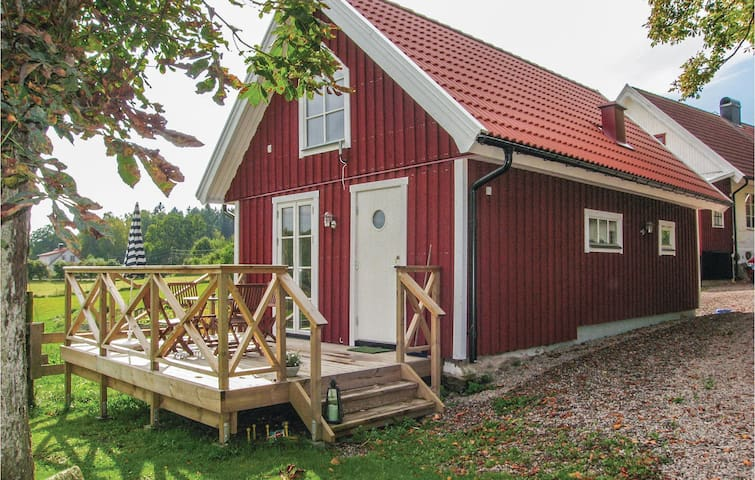 Holiday cottage with 1 bedroom on 60m² in Hallaröd