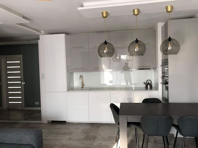 Room(large) for 2guests in shared Deluxe apartment