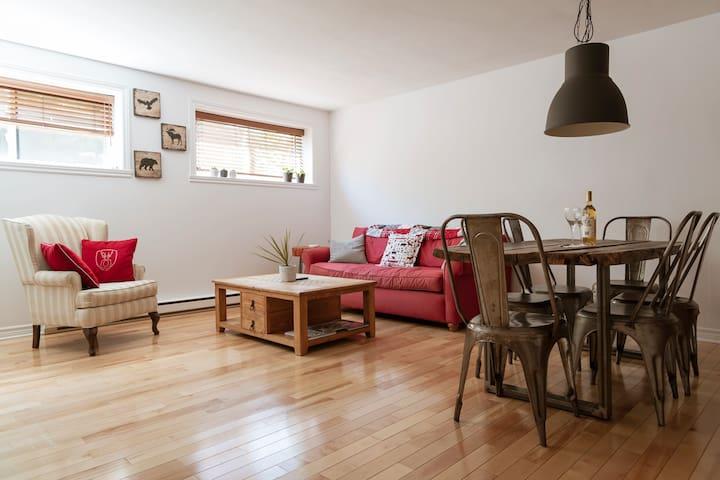 Chez Ludger — A Rustic Canadian Condo