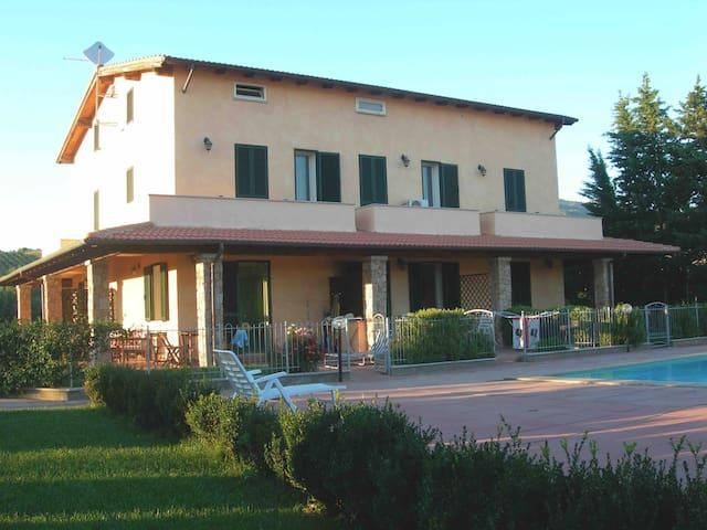 Casa Sardegna con giardino e piscina