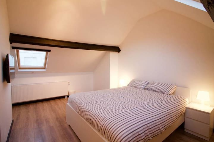 ★ Bright room - Place du Jeu de Balle