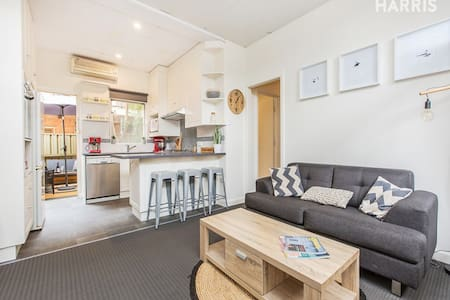 City retreat - affordable and cool - Adelaide - Leilighet