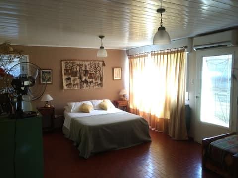 Lo de Bincaz. Habitación con AACC, Wifi y desayuno