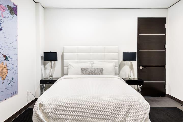 Schlafzimmer 7
