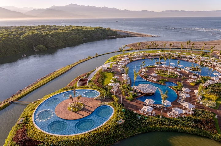 Welcome to one of the top 5 resorts in Mexico!