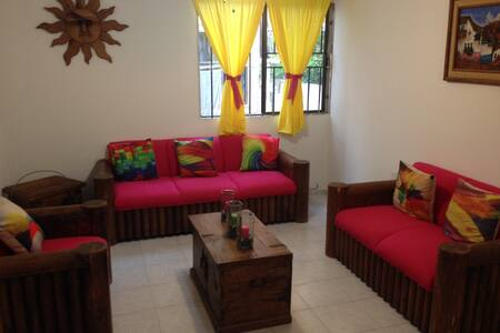Charming, fully furnished and clean house - House