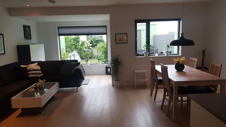 Quiet & Modern House in Sandnes. Free parking&WIFI