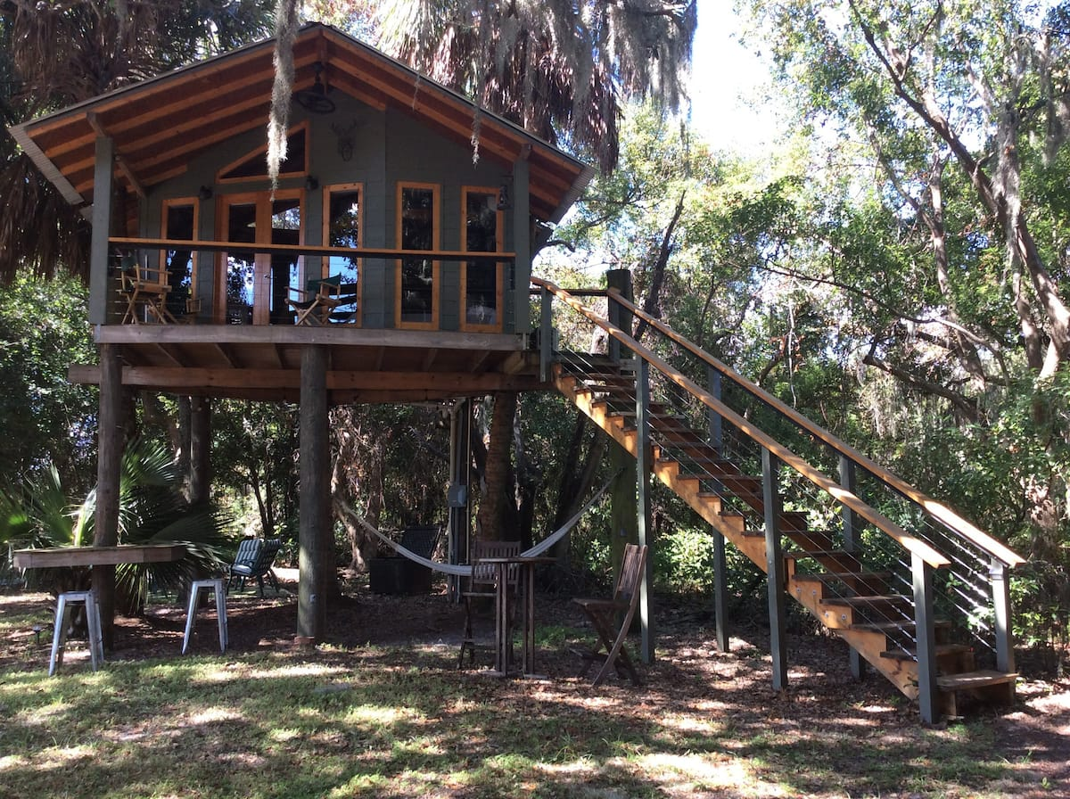 Amazing Orlando Airbnb rental for up to 10 people