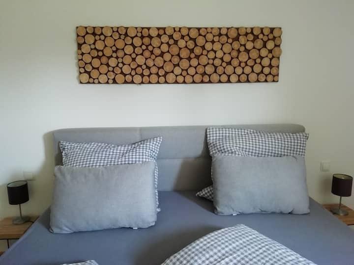 Liebevolle, moderne Wohnung im Nordschwarzwald