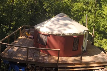 Driftless Yurt on Harmony Ridge