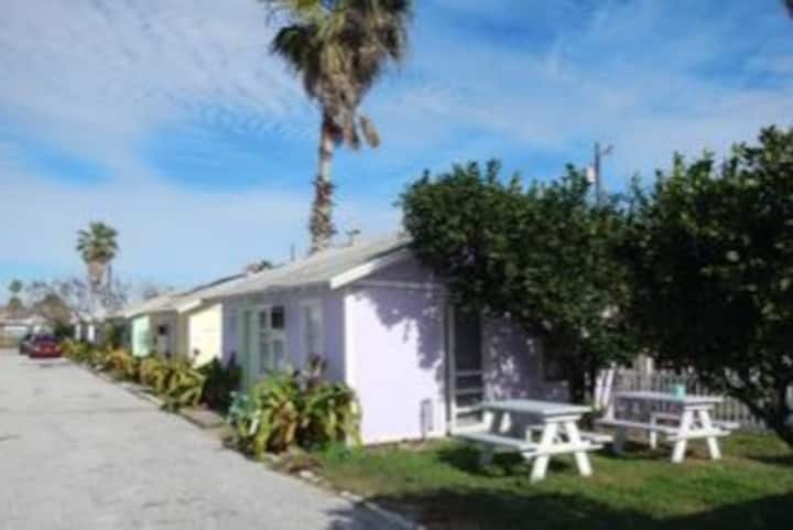 Double Barr Cottages - 2 BEDROOM / 1 BATH COTTAGE