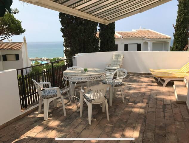 Maison à 2 mns de la plage, vue mer de la terrasse