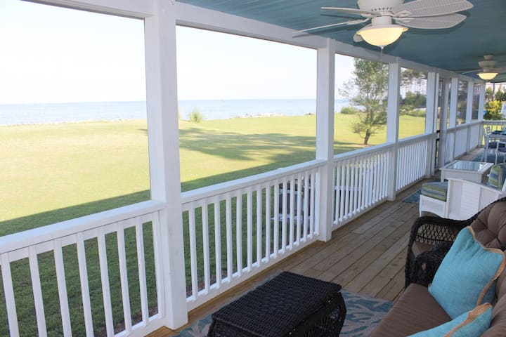 Ware's the Beach - Private Beachfront Home