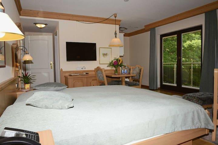 Residence am Weinberg, (Sasbachwalden), 1-Zimmer Junior-Appartement Superior (35 m²)