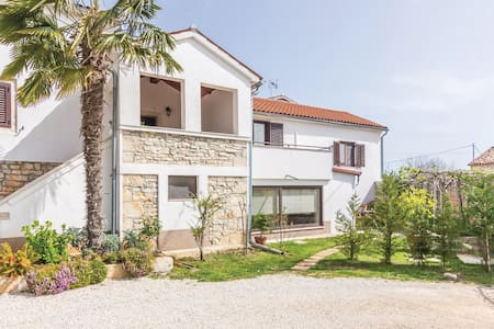 Cozy apartment near Poreč - Baderna