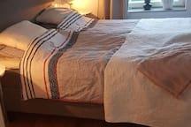 160cm säng