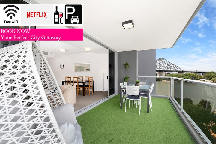 Family Getaway❤️Spacious 3 Bedroom Apartment|Views|WiFi|Netflix|CarPark
