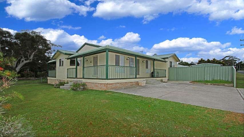Billabong Cottage - opposite country club